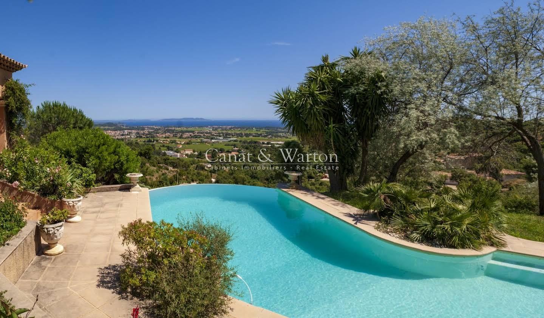 Villa avec piscine et terrasse La Londe-les-Maures