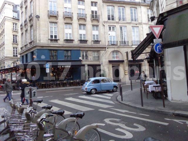 Paris È¡—角の車voiture Ñリ6区サンジェルマン村