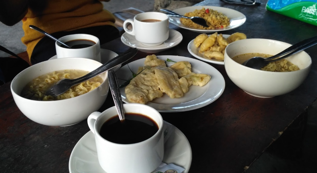 Hidangan di Kopi Merapi