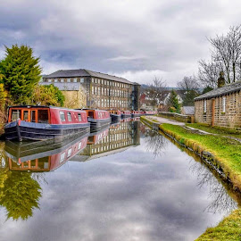 by Betty Taylor - City,  Street & Park  Vistas ( canals, waterscapes, landscape, boats boating )