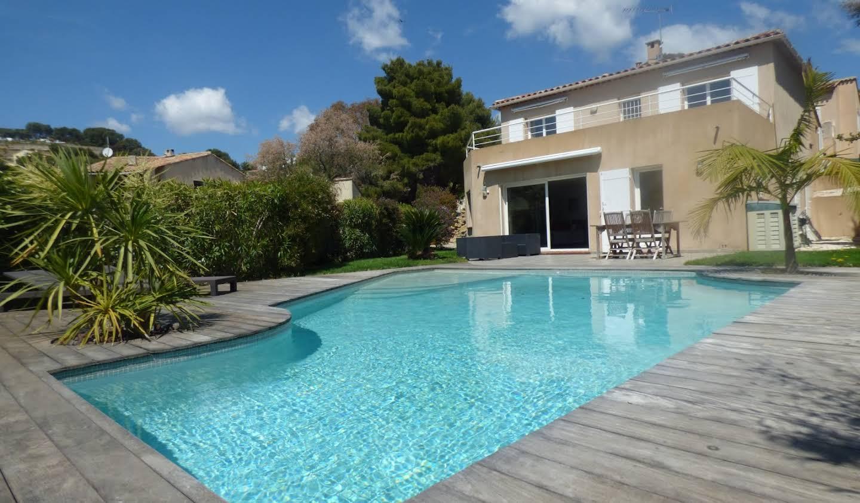 Maison avec piscine et terrasse Carqueiranne