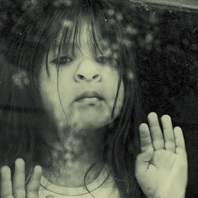 the world in a window by Ruby Del Angel - Babies & Children Children Candids ( face, girl, window, hands, children, carefree, childhood, people, portrait, kid )
