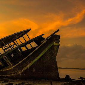 Abandoned boat. by Zahir Mohd - Transportation Boats