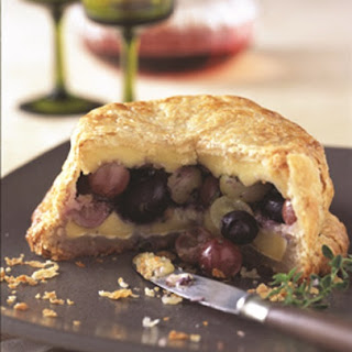 Baked Brie with Grapes