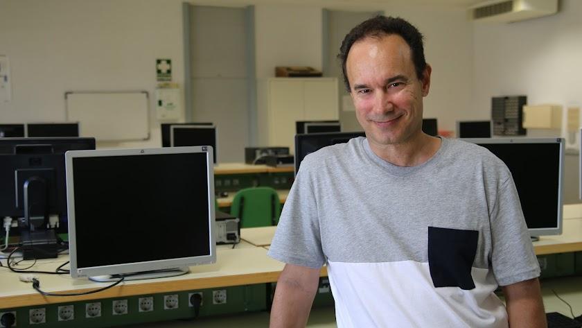 Juan Francisco SanJuán, profesor de la UAL