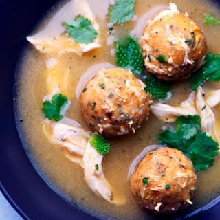 Sopa de Albóndigas de Pollo (Chicken Meatball Soup).