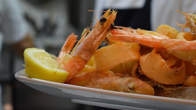 Las tapas de pescado son tradición en la provincia.
