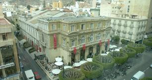 Imagen aérea del Teatro Cervantes y el Círculo Mercantil en el Paseo de la capital almeriense.