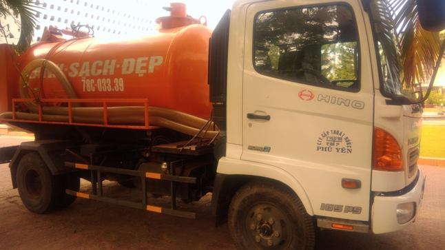 Dịch vụ thông cống dùng xe bồn chở chất thải