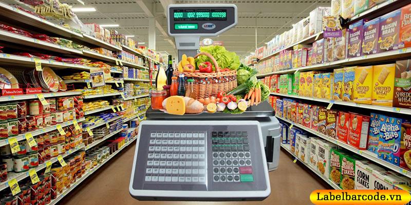Cân điện tử sử dụng trong siêu thị và các cửa hàng tiện ích