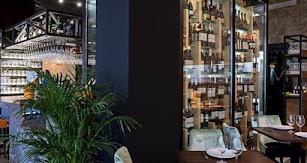 Interior de Mistela Gastronomía.