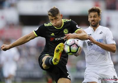 """Chelsea-verdediger reageert woest: """"Je kon van op de maan zien dat dat een overtreding was"""""""