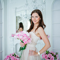 Wedding photographer Valentin Chernov (Valtron). Photo of 15.04.2014