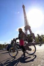 """Photo: III miejsce w konkursie - Gratulujemy ! """" Ania na rowerze zasłania wieżę Eiffla w stolicy Francji """" - Marcin"""