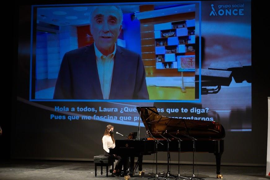 Juan y Medio durante su intervención.