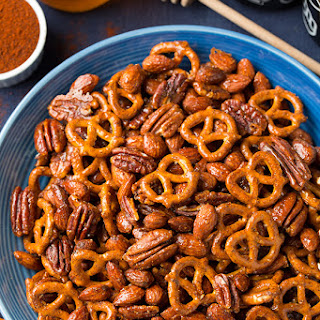 Honey-Chipotle Nut and Pretzel Mix