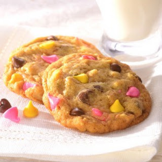 NESTLÉ® TOLL HOUSE® Springtime Chocolate Chip Cookies