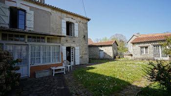 maison à Etouars (24)