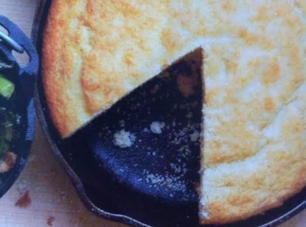 My Mama's Buttermilk Cornbread Recipe