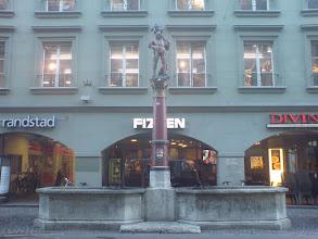 Photo: Ryfflibrunnen - http://www.jenk.ch/tag/bern/