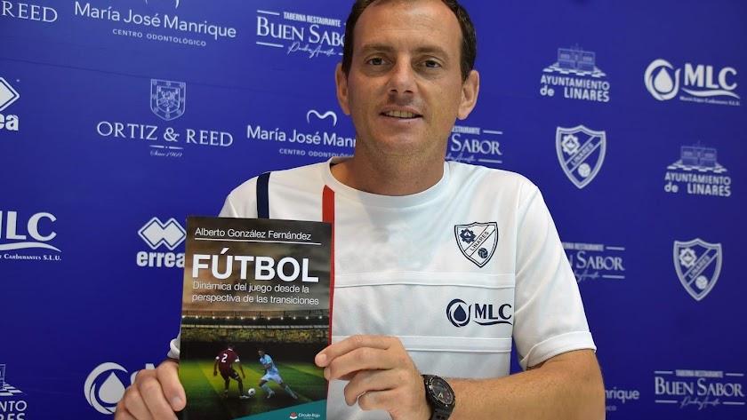 Alberto González es un entrenador con larga trayectoria.
