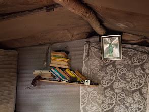 Photo: 2013 szeptemberében tárgyalja az Országgyűlés Pintér Sándor belügyminiszter javaslatát, amely szabálysértéssé kívánja nyilvánítani a kunyhók építését. Pedig mi itt élünk! Nem vagyunk bűnözők, ezek a kunyhók a mi otthonunk. Fotó: Vörös Anna