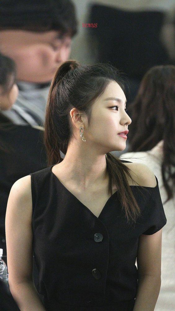 yeji profile 16