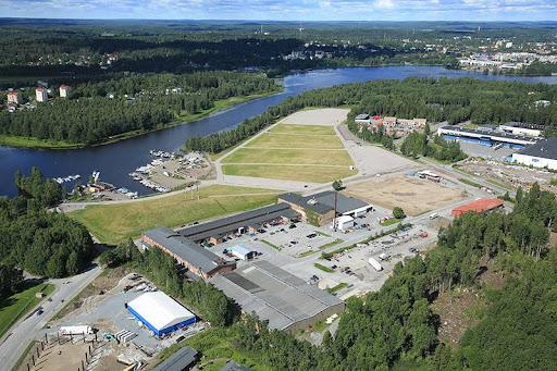 <p>Ilmakuva Kantonlan Teollisuuskiinteistöistä Hämeenlinnassa.</p>