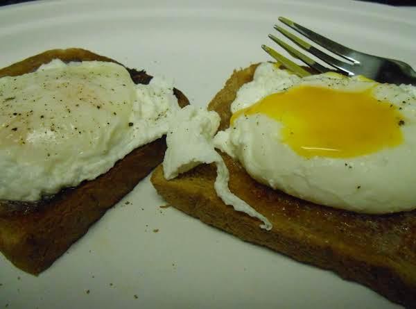 Good Ol' Poached Eggs On Toast Recipe