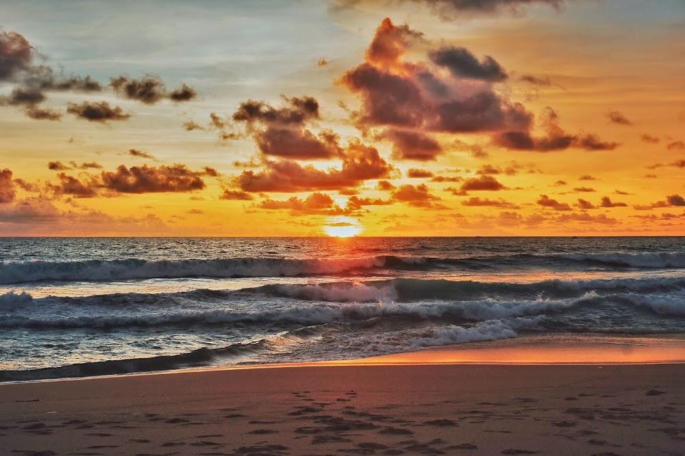 Sunset di pantai Ci Panarikan