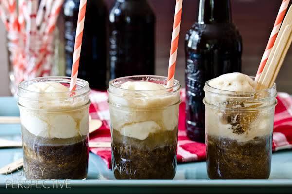 Root Beer Float Cakes Recipe