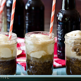 Root Beer Float Cakes