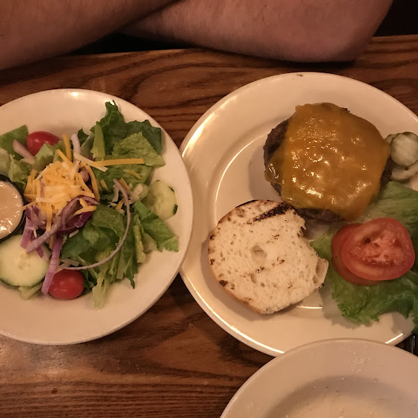 Burger with gf bun and side salad instead of gluten-fries