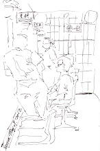 Photo: 女收容人看診2012.05.29鋼筆 兩位女同仁帶女收容人來醫療中心看診,由於男女監採合署辦公,只要有男女收容人同時在場,就會將男女收容人遠遠區隔開…