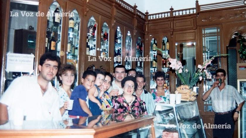 En 1991 la familia del Once de Septiembre estuvo de fiesta para conmemorar el centenario del establecimiento de la calle Castelar.