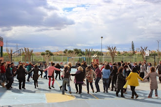 Photo: El patio del colegio es particular.....