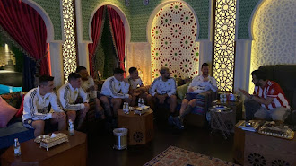 Turki Al-Sheikh y la Selección Argentina viendo al Almería.