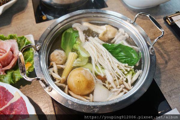 新竹東區|百味釜精緻鍋物 媽媽魚安心超市,食材新鮮直達餐桌,美福頂級澳洲牛、認證鮮蝦石斑!