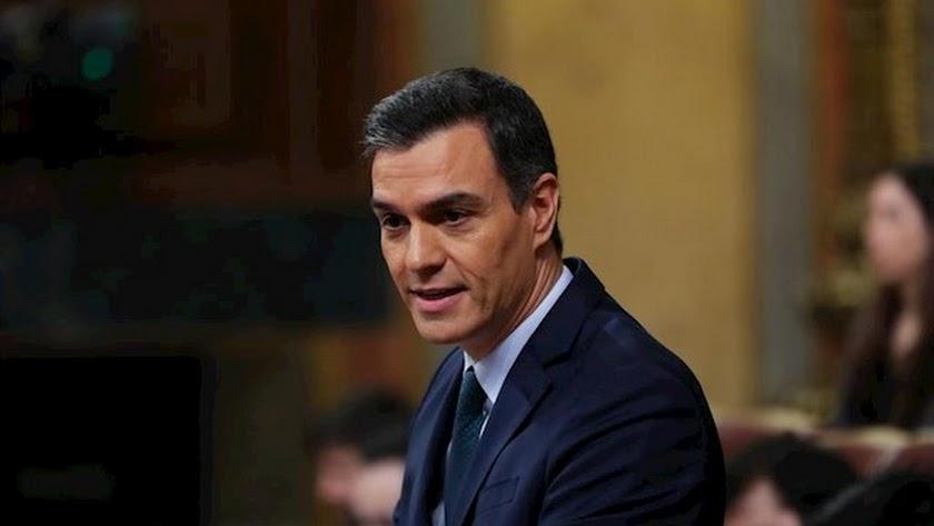 Sánchez sólo supera por un voto los rechazos a su investidura.