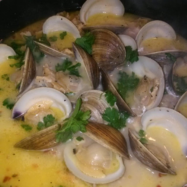 Clams In Wine Garlic Sauce Recipe