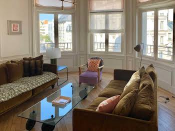 Appartement meublé 7 pièces 137 m2