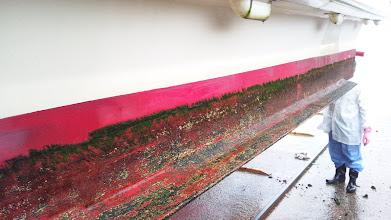 Photo: サイドも!・・・この日はあまりにも雨がひどいので汚れだけ落として、ペンキ塗は、翌日に!