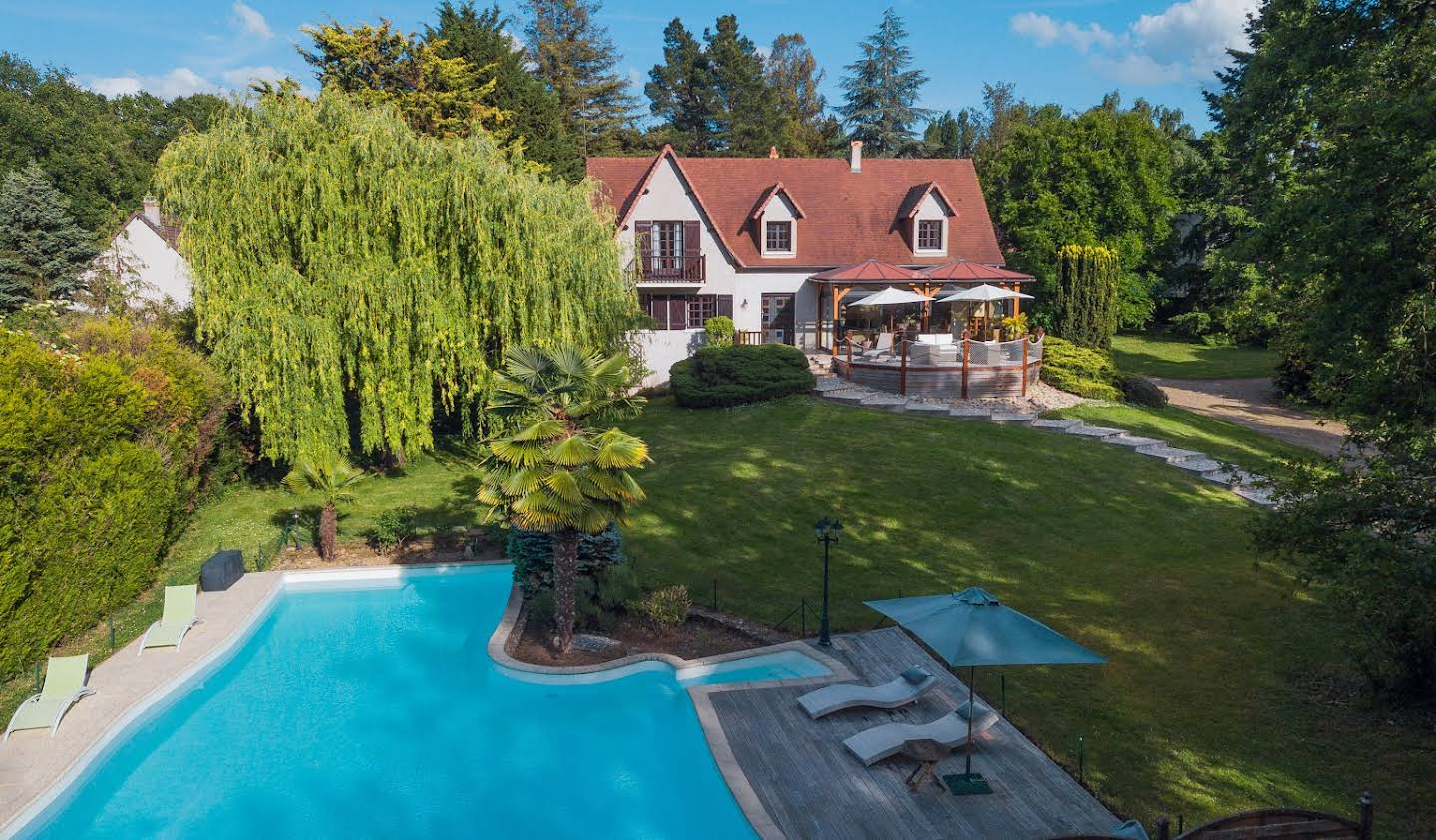 Property with pool and garden Monts