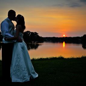 by Rob  Grant - Wedding Bride & Groom