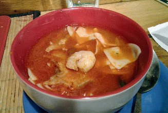Photo: Zupa rybna - karp, krewetki, makaron...To miała być świąteczna zupa, ale nie było dla kogo , więc ugotowała się 9 stycznia i tylko dla mnie... (30)