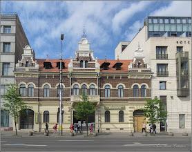 """Photo: Cluj-Napoca - Piata Avram Iancu, Nr.2 , Hotel Artos, si Centrul de pelerinaje """"Renasterea"""" - 2018.04.27"""