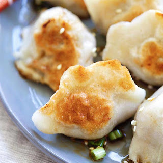 I love dumplings! I will try to make it very soon. Great picture!