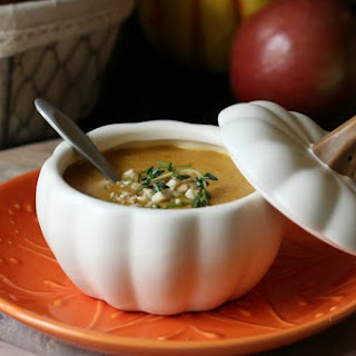 Pumpkin Soup with Ginger and Cashews