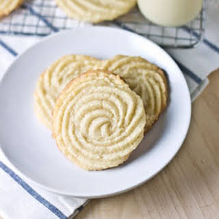 Vegan Cream Cheese Swirl Cookies.