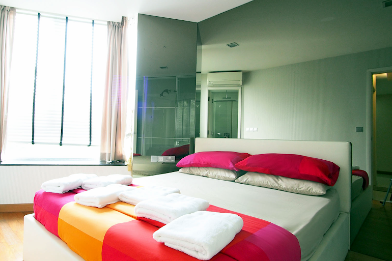 Superior bedroom in Geylang Apartments, Chinatown